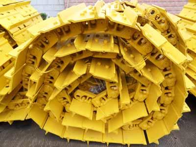 Komatsu-Bulldozer-Spare-Parts.jpg